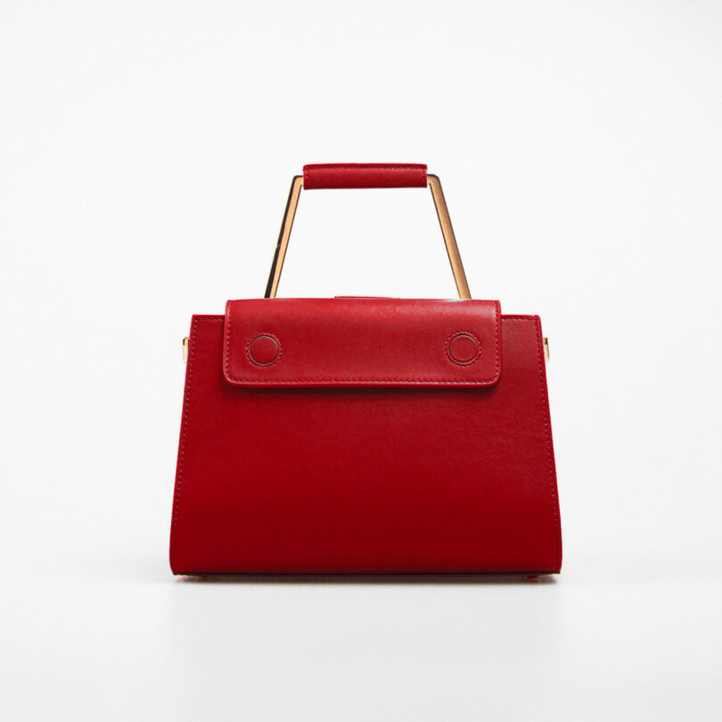 ART.111210-1-RETRO-RED